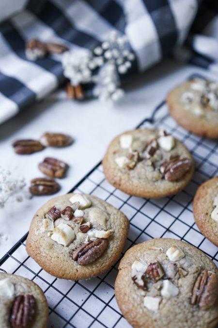 Cookies noix de pécan, chocolat blanc et cannelle