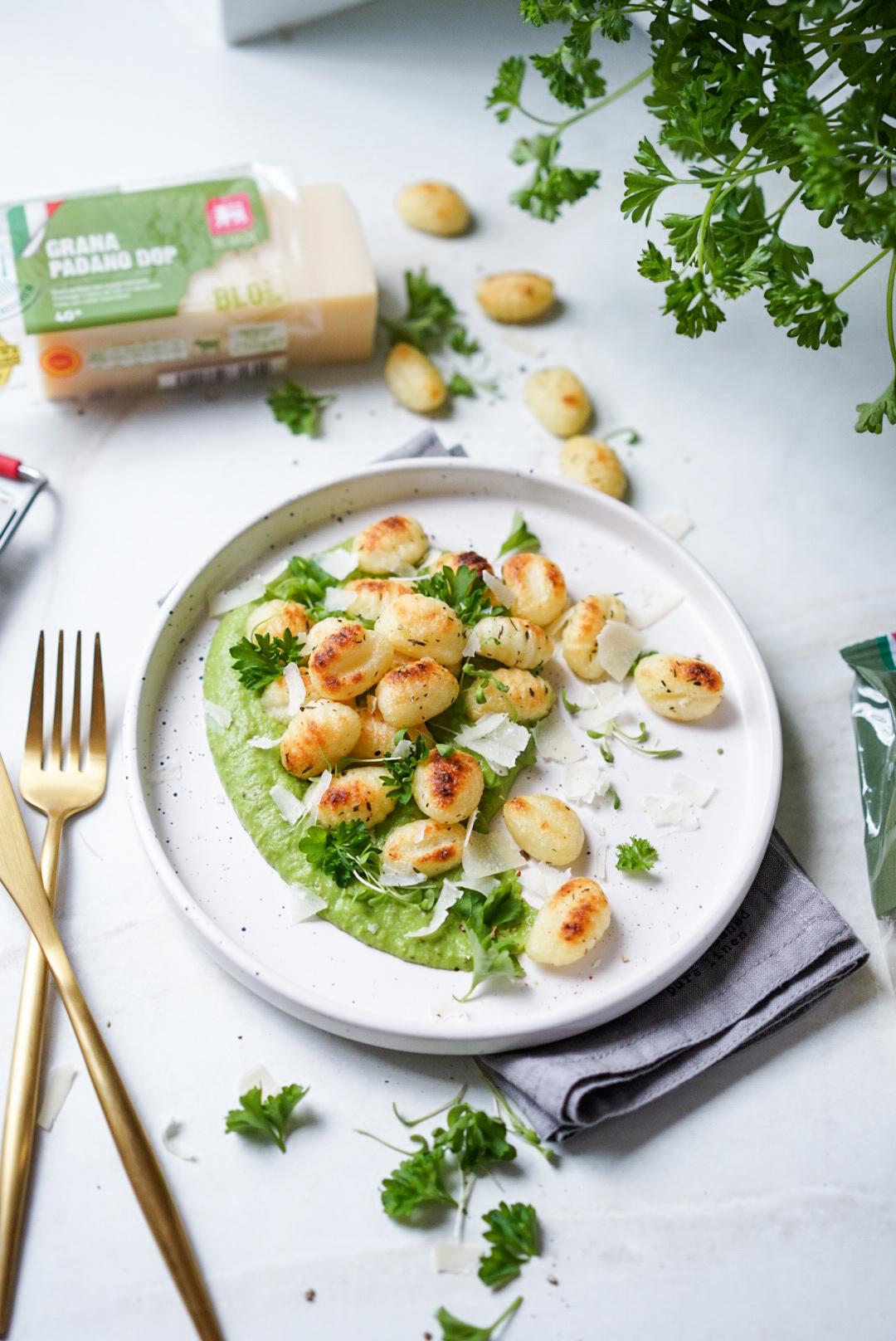 Gnocchis grillés et purée de brocoli au pesto